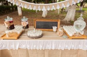 Ajándékos asztal