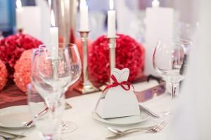 Téli esküvői asztal dekoráció